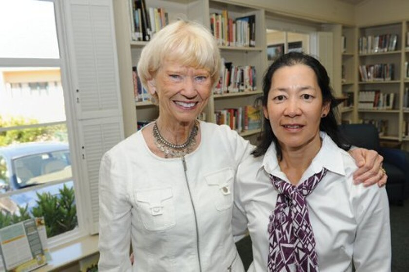 Speaker Gayle Gillies Mize, Guild President Mary Liu