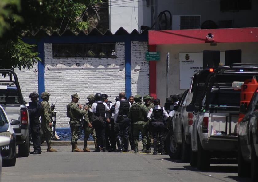 Tres policías estatales y un miembro de la Cruz Roja de México murieron hoy en un ataque armado durante un acto de entrega de ayudas a comunidades del sureño estado mexicano de Guerrero, informaron hoy las autoridades. EFE/ARCHIVO