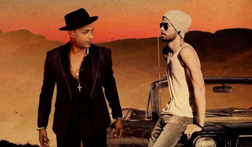 """El cubano Descemer Bueno al lado de Enrique Iglesias en una imagen promocional de su nuevo video """"Nos fuimos lejos""""."""