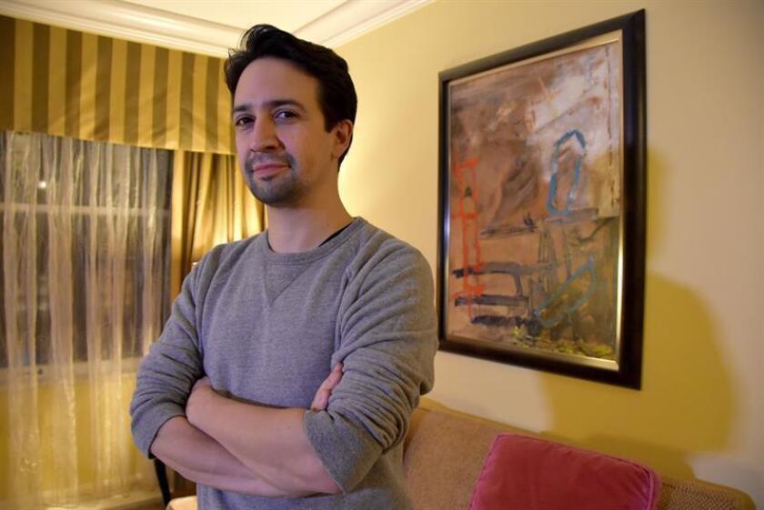 El actor, compositor y dramaturgo de origen puertorriqueño Lin Manuel Miranda durante una entrevista. EFE/Archivo