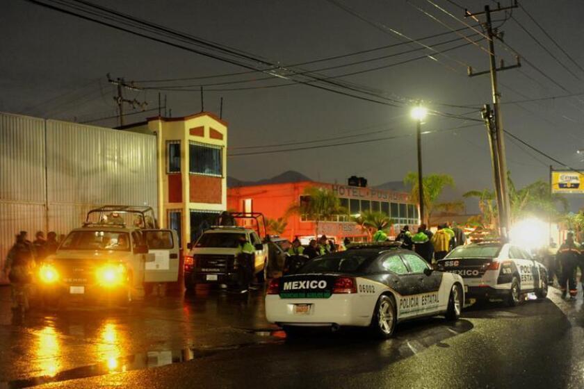 Una persona murió y otras seis resultaron heridas en explosiones ocurridas hoy en un depósito y dos talleres de pirotecnia del municipio de Tultepec, ubicado en el centro de México. EFE/STR