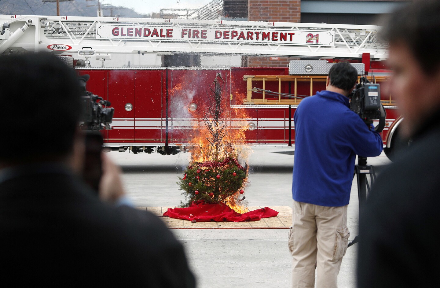 Photo Gallery: Glendale Fire Department demonstrates hazards around home during holidays