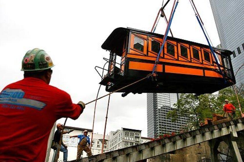 Angels Flight rail cars return