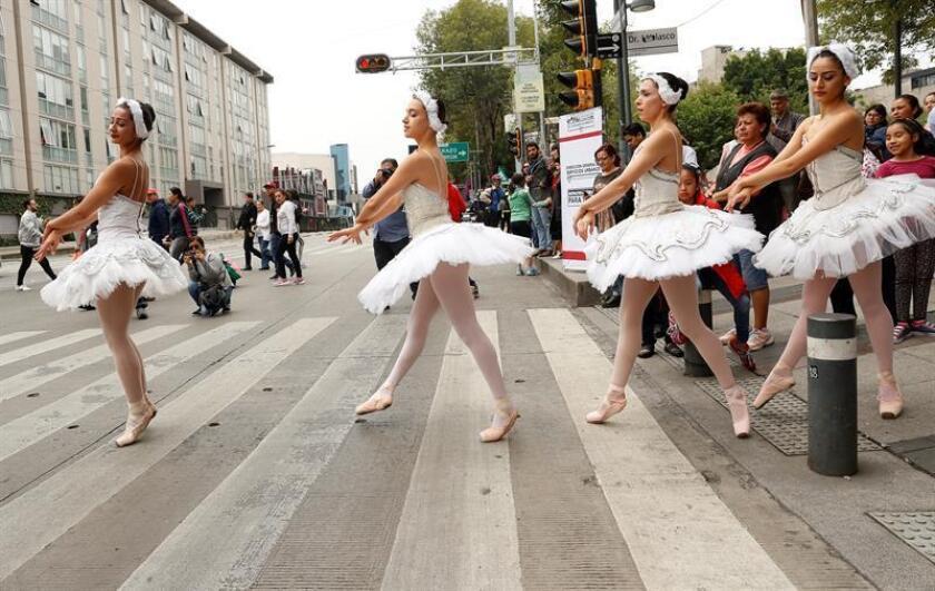 Estudiantes universitarias crearon un dispositivo que protege los pies de las bailarinas de ballet durante los entrenamientos y previene lesiones, informó hoy en un comunicado la Universidad del Valle de México (UVM). EFE/ARCHIVO