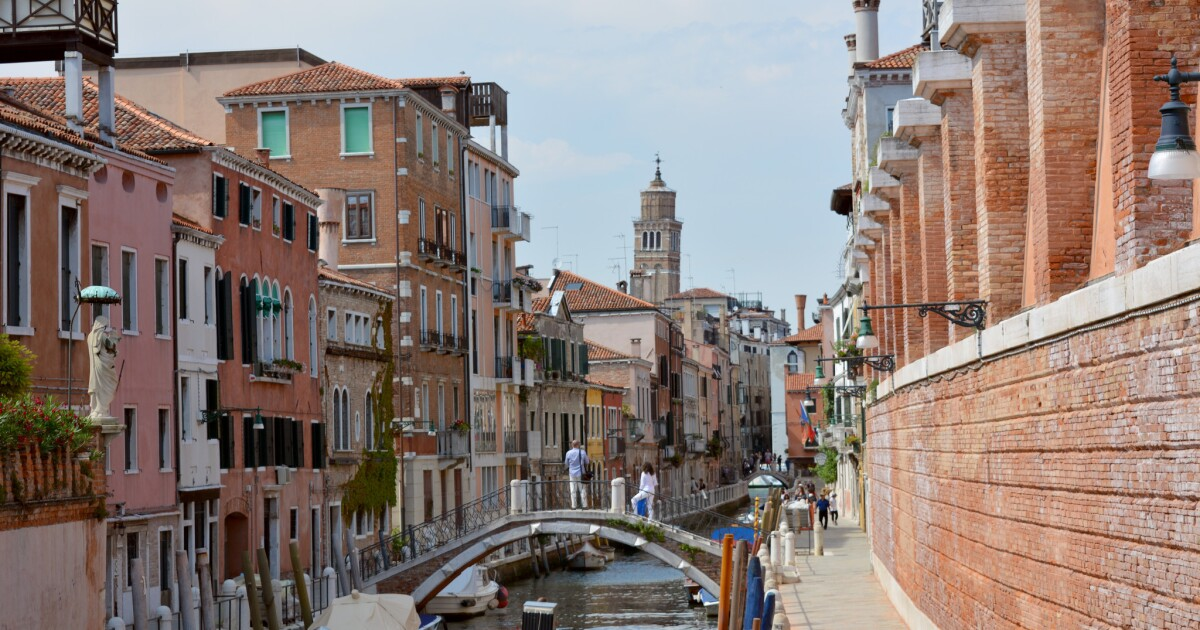 Avoid restaurants with a view and cruise ship crowds, and other ways to enhance a Venice visit