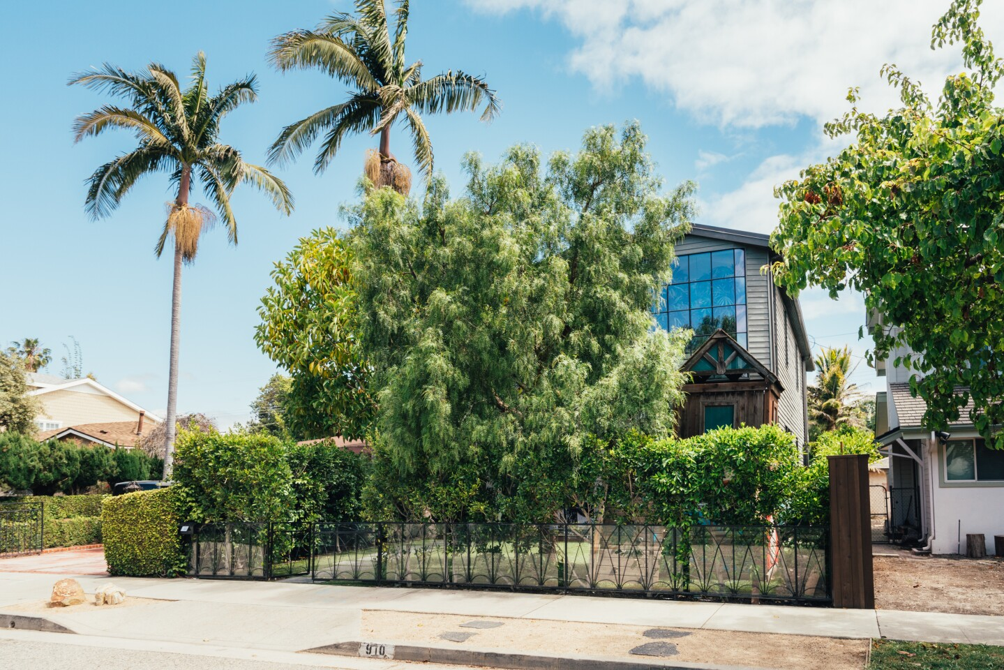Kim Gordon-designed home in Oxford Triangle | Hot Property