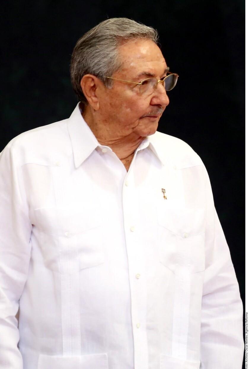 El Consejo de Estado de Cuba concedió el indulto a 787 reclusos en respuesta a la petición que hizo el papa Francisco a los jefes de Estado con motivo del Año Santo de la Misericordia, informó hoy la prensa estatal.