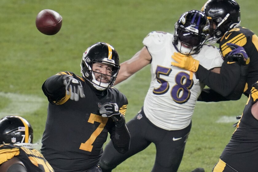 NFL: Steelers overcome rust, short-handed Ravens to move to 11-0 - Los  Angeles Times