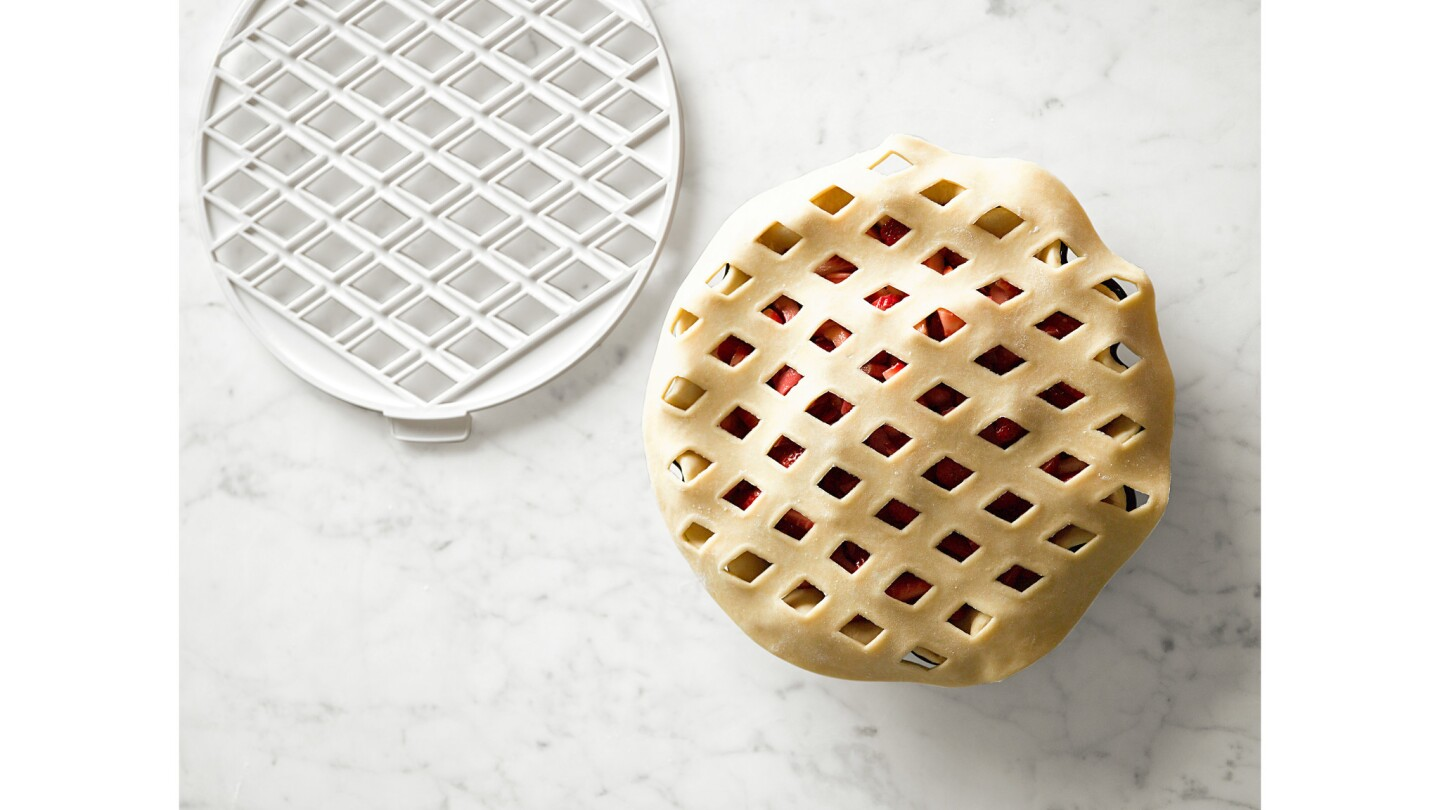 Baking tools for perfect pies