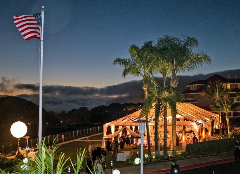 The Friendship Shelter of Laguna Beach hosted its annual fundraiser at the Laguna Cliffs Marriott Resort and Spa in Dana Point.