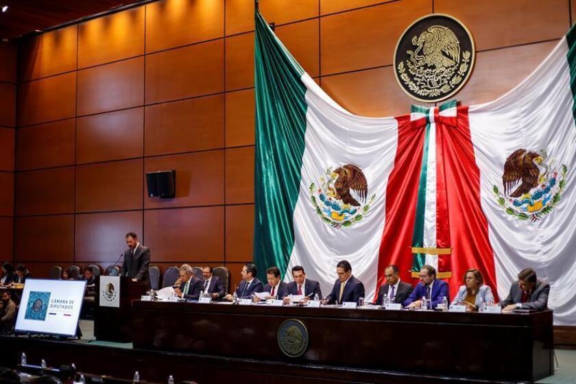 Diputados, senadores y gobernadores mexicanos participan el 8 de enero en la primera sesión de audiencias públicas sobre la Guardia Nacional que se realizan en el Palacio Legislativo de San Lázaro, en Ciudad de México (México). EFE/Archivo
