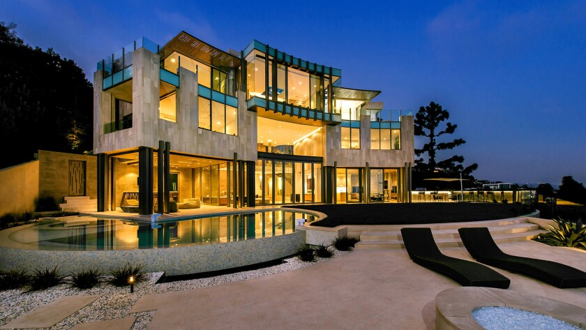 Television producer Jeff Franklin's home had been listed for as much as $38 million.