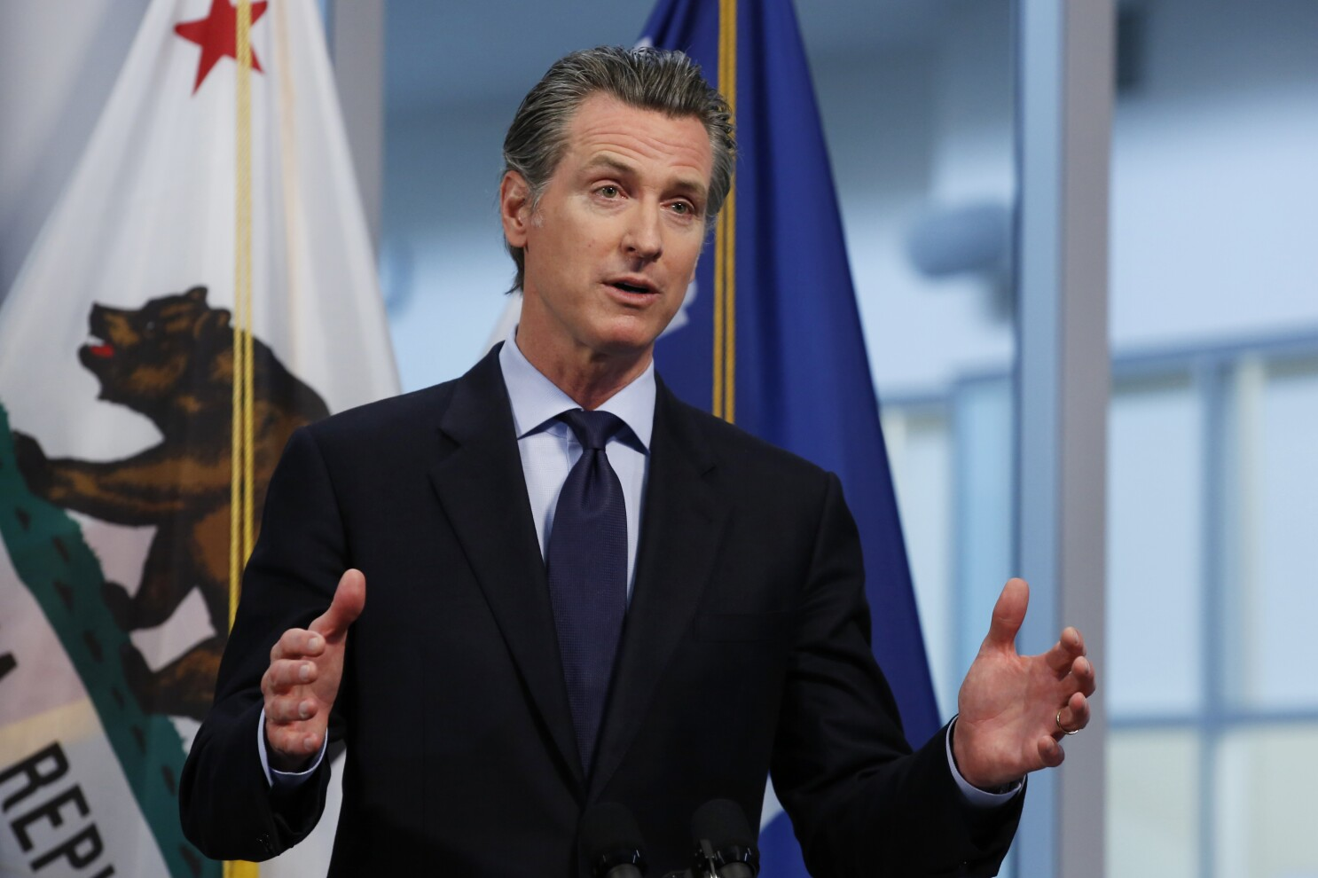 Newsom names goals to lift California coronavirus order - Los ...