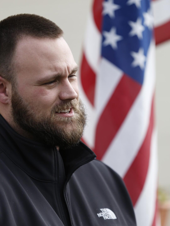 Jeremy Thomas, que perdió la mano a causa de una bomba en Afganistán en 2011, murió en una cárcel del condado de San Diego.