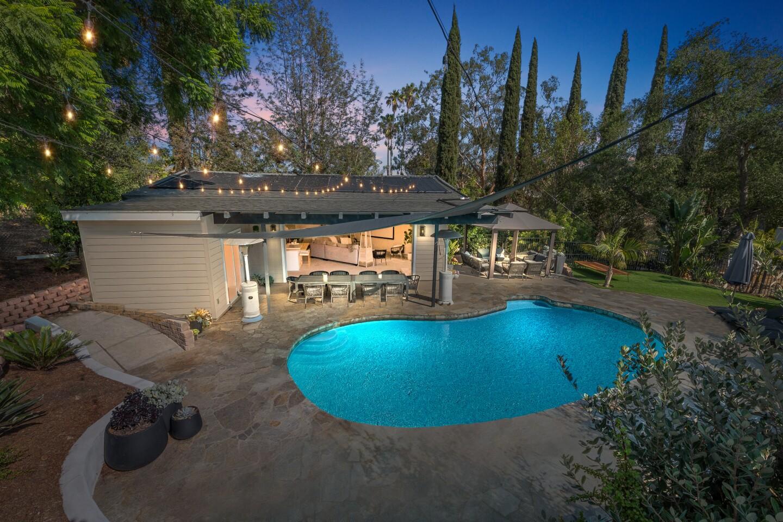 1128 Via Rancho Parkway, Pool