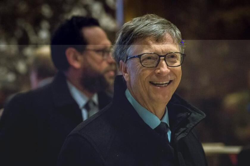 El empresario y filántropo estadounidense, Bill Gates, llega a la Trump Tower en Manhattan, Nueva York, Estados Unidos, hoy, 13 de diciembre de 2016. EFE/POOL