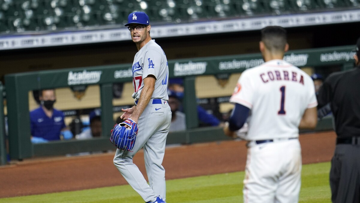 Joe Kelly And Correa Argue As Benches Clear In Dodgers Win Los Angeles Times