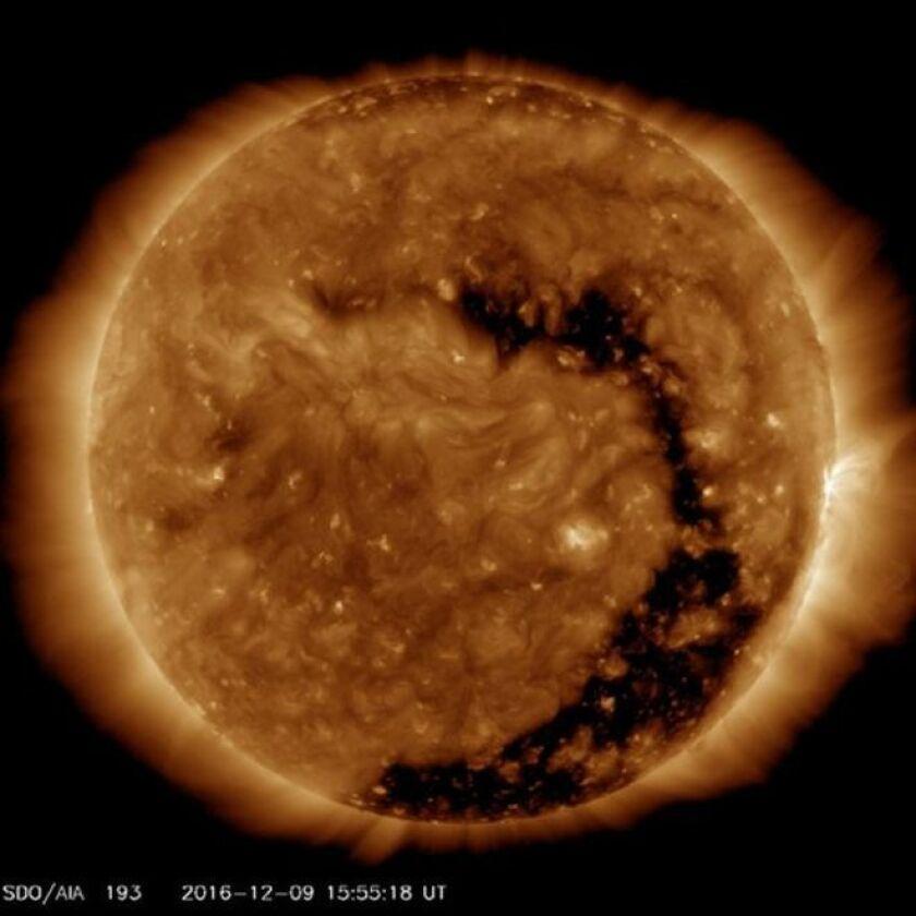La magnitud de lo que está ocurriendo en el Sol no es fácil de comprender.