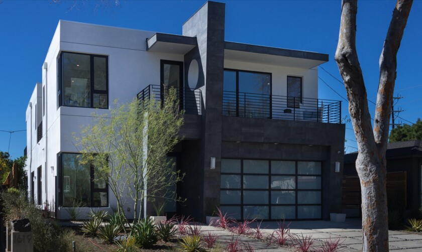 Modern home in West L.A.-Sawtelle | Hot Property