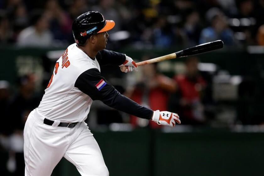 En la imagen, el segunda base titular de los Orioles de Baltimore, Jonathan Schoop. EFE/Archivo
