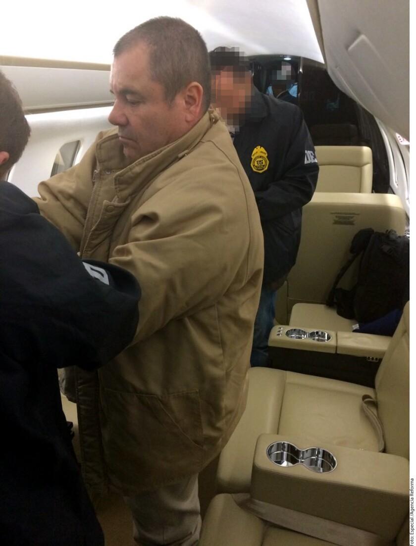 Foto del momento de la extradición del 'Chapo' Guzmán.