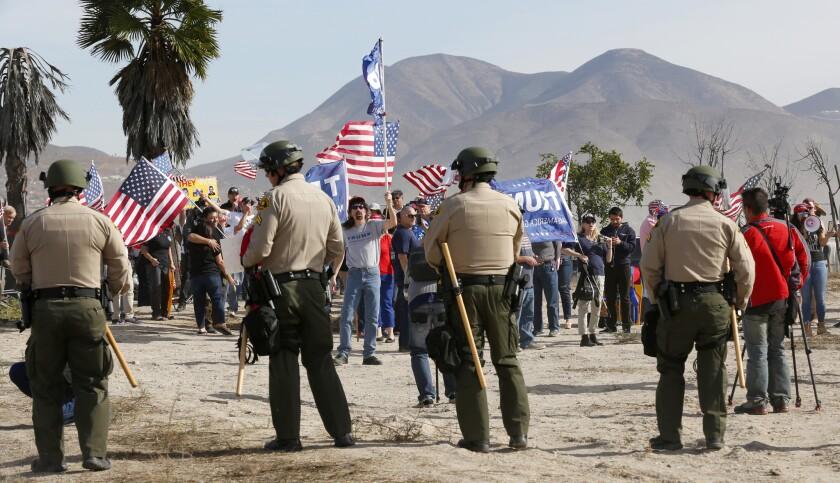 3029622_sd_me_border_wall_rally_NL San Diego, CA December 09, 2017 Organized by several pro-Trump