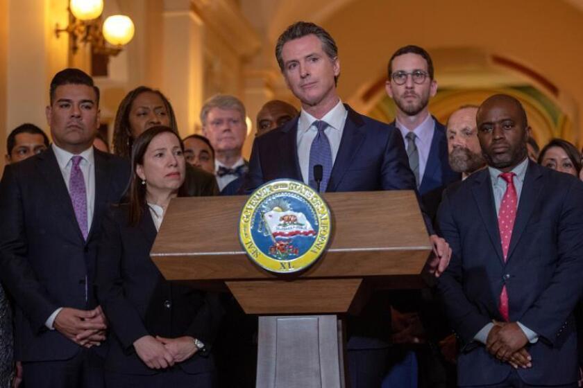 """California, uno de los más afectados con la nueva regla de """"carga pública"""""""