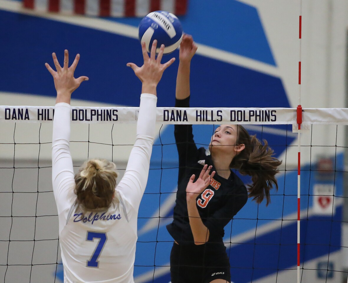 Huntington Beach vs. Dana Hills in girls' volleyball