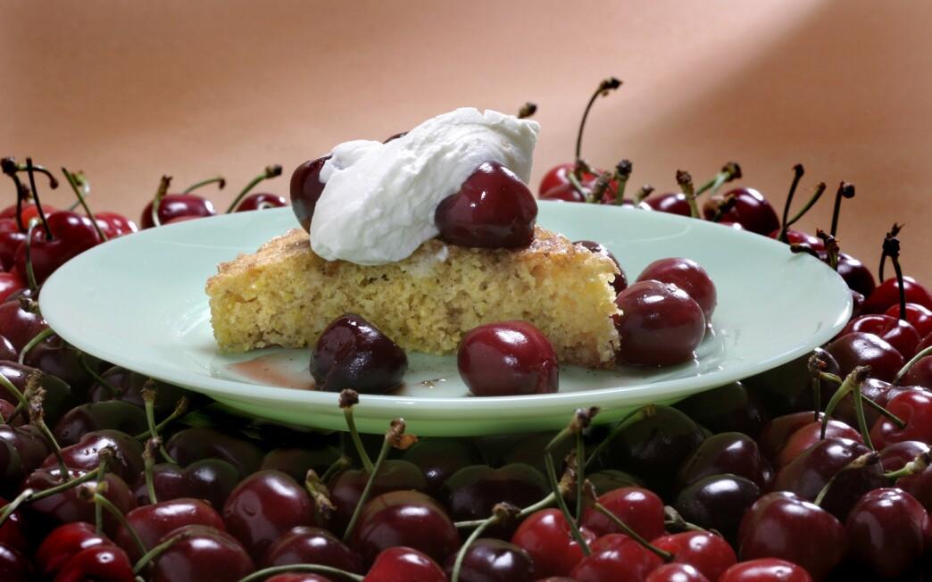 Polenta cake with roasted cherries