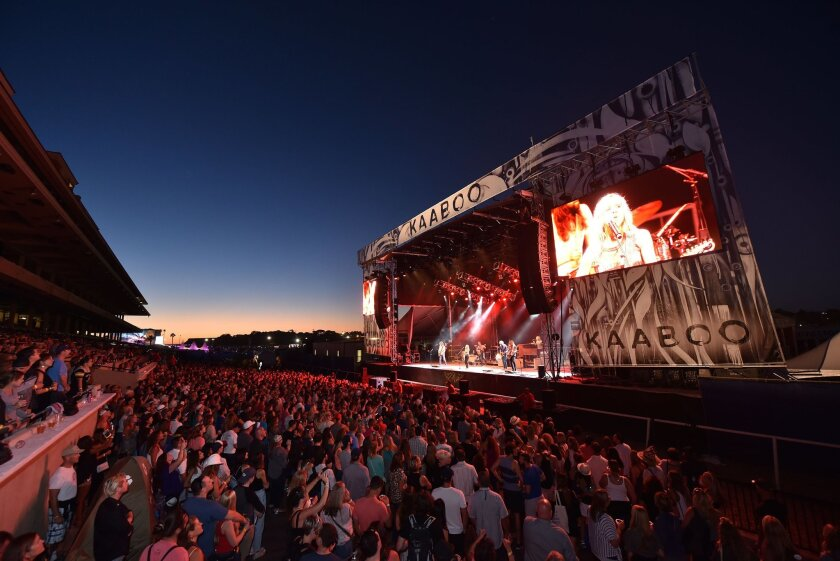 A view of the fans and the atmosphere during KAABOO Del Mar 2015.