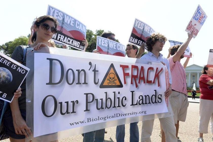 """El Gobierno dio hoy el primer paso de un proceso administrativo que facilitará el """"fracking"""" en tierras y propiedades mineras federales del estado de California y que podría abrir más de 6.400 kilómetros cuadrados a esa práctica. EFE/ARCHIVO"""