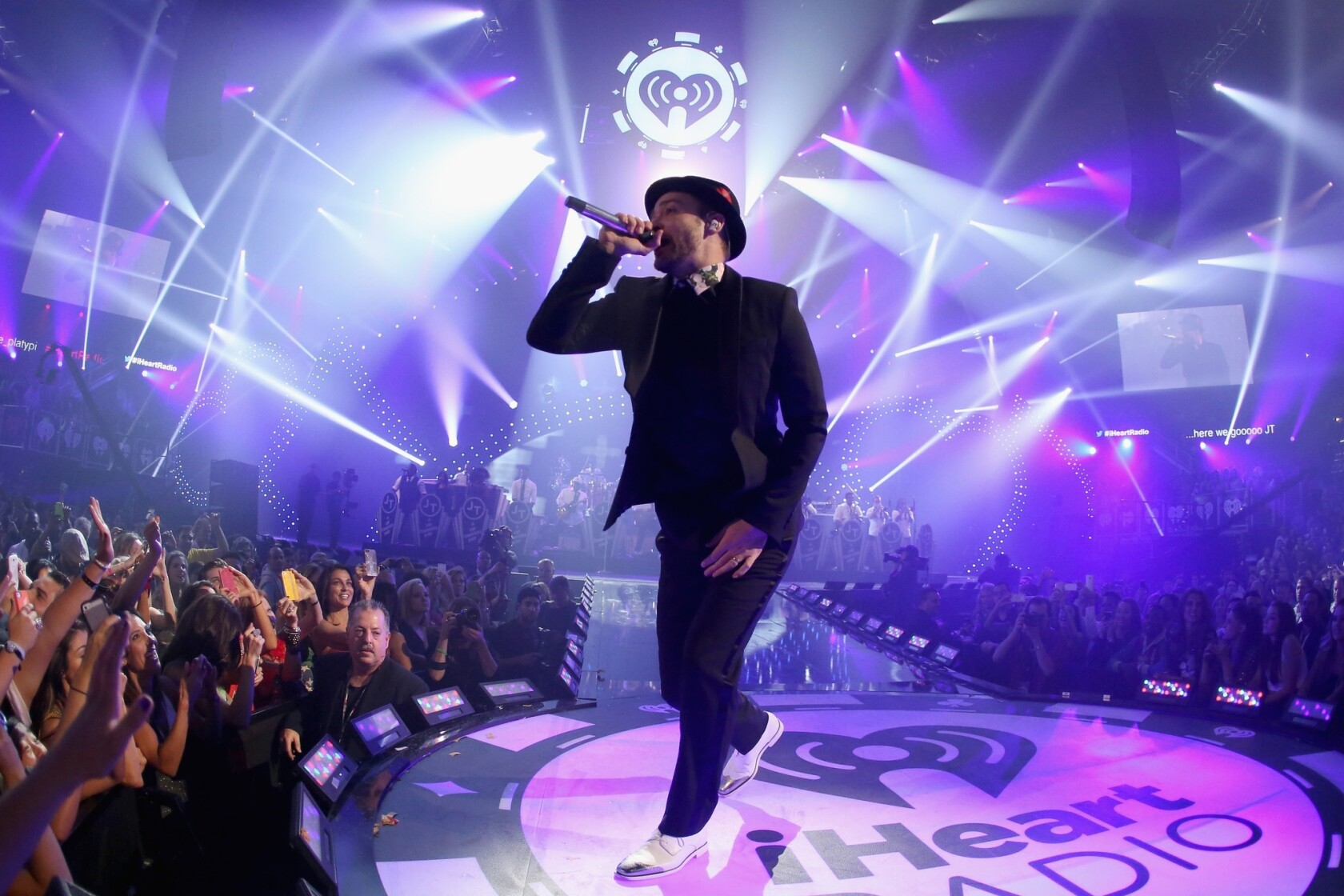 IHeartRadio 2013: Justin Timberlake, Miley Cyrus close the