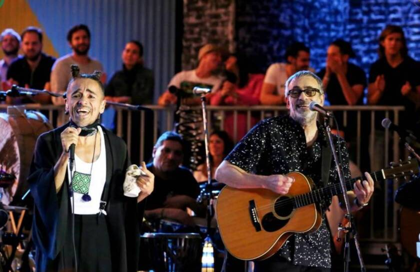 La colaboración entre los argentinos y Rubén Albarrán se ha plasmado en un nuevo lanzamiento en video.