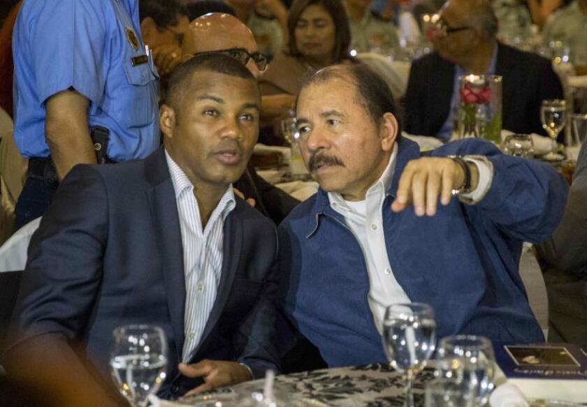 "Exboxeador ""Tito"" Trinidad se une al reclamo de renuncia de gobernador P.Rico"