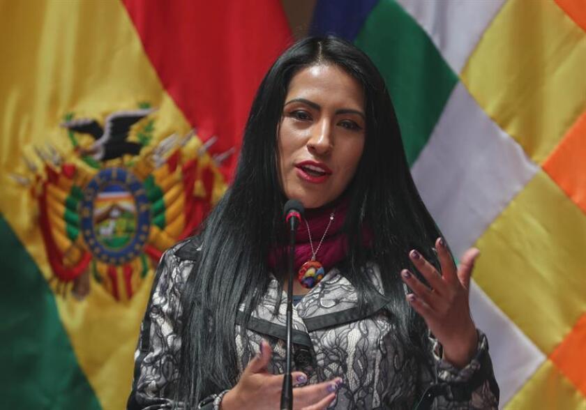 La ministra boliviana de Culturas y Turismo, Wilma Alanoca, en rueda de prensa hoy indicó que Bolivia incrementó el turismo nacional interno en un 4 % en 2018 y se estima llegar a un 6 % este año con la promoción de distintas rutas turísticas e incentivando la planificación de viajes al interior del país, informó hoy el Ministerio de Culturas y Turismo, en La Paz (Bolivia). EFE