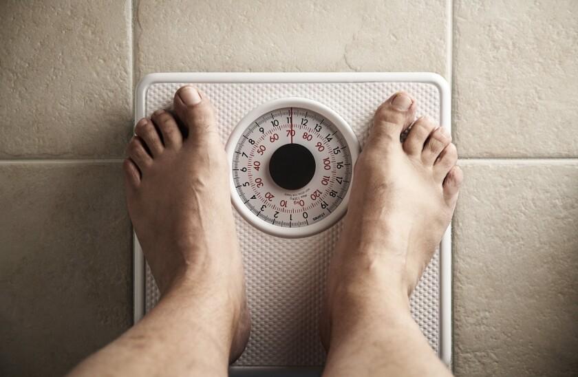 Sería lógico que, quienes saben que tienen sobrepeso u obesidad, y que sus libras de más no son saludables, intenten perder peso, ¿cierto? Pues ya no, según revelaron nuevas investigaciones.