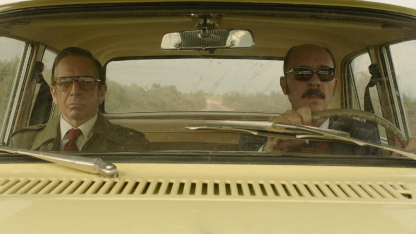 """Alfredo Castro y Dario Grandinetti en una escena de """"Rojo"""", cinta argentina que se exhibe ya en L.A."""