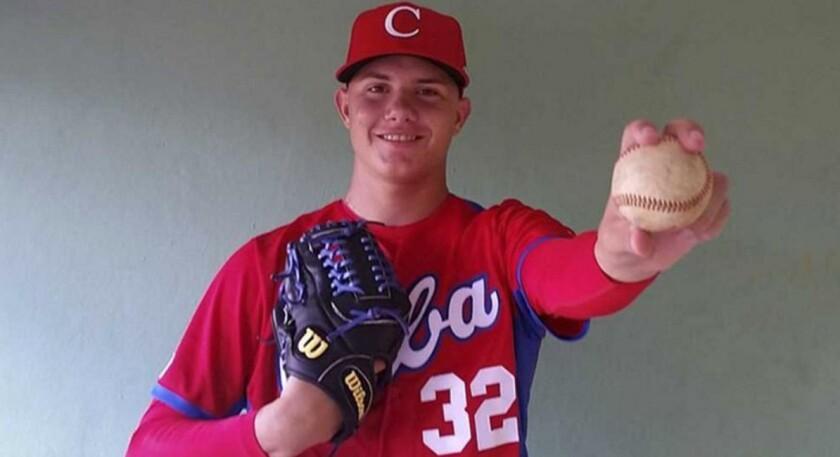 Adrián Morejón,pitcher cubano de 17 años.