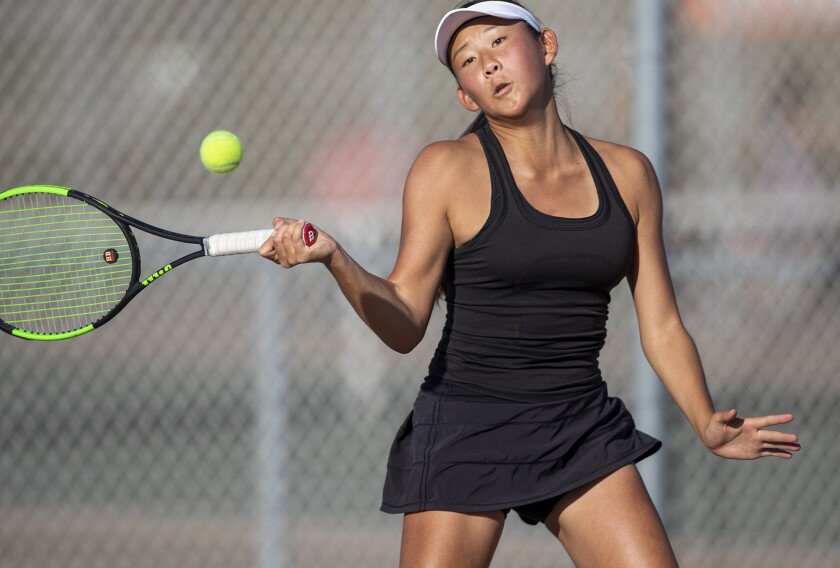 High School Roundup: Huntington Beach girls' tennis routs Oaks Christian in CIF Division 1 opener