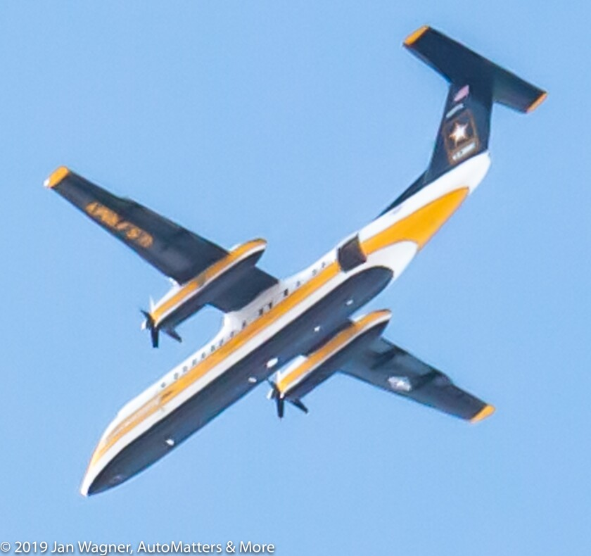 Golden Knights C-147A DASH8