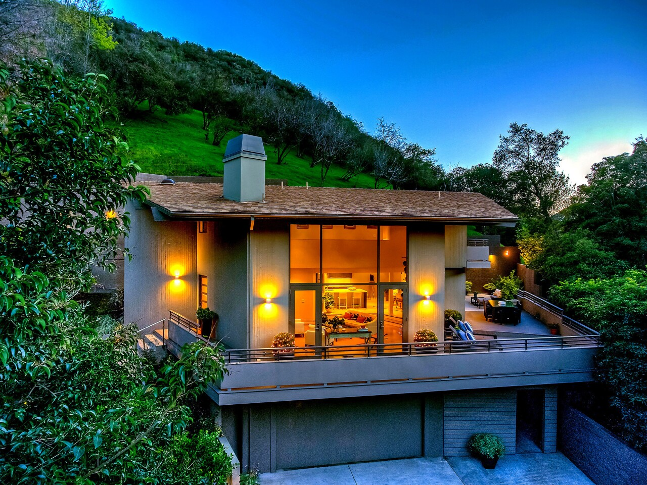 Hot Property | The Pitch: Best of Brentwood | Mandeville Canyon