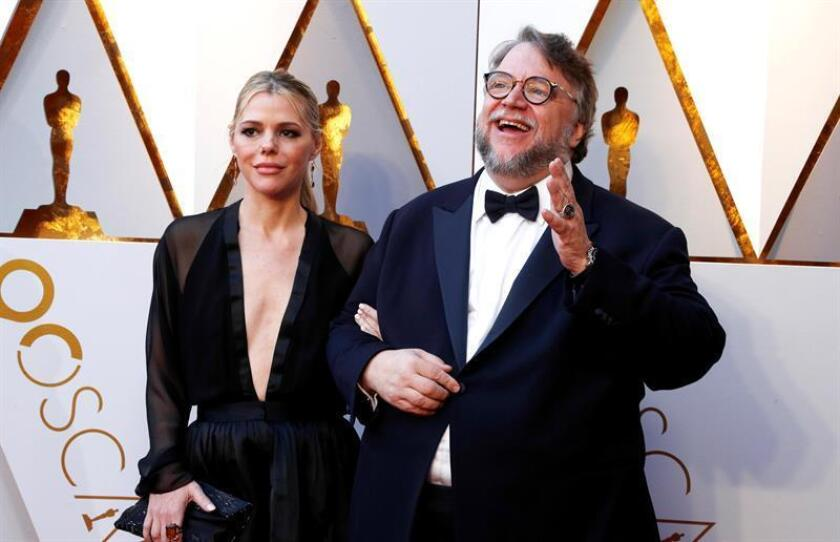 Guillermo de Toro (R) and Kim Morgan arrives for the 90th annual Academy Awards ceremony at the Dolby Theatre in Hollywood, California, USA, 04 March 2018. EFE