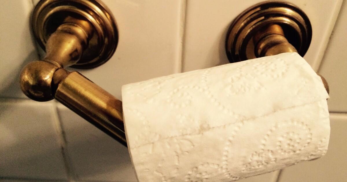 Satu ditangkap setelah keluarga argumen di atas kertas toilet ternyata fisik