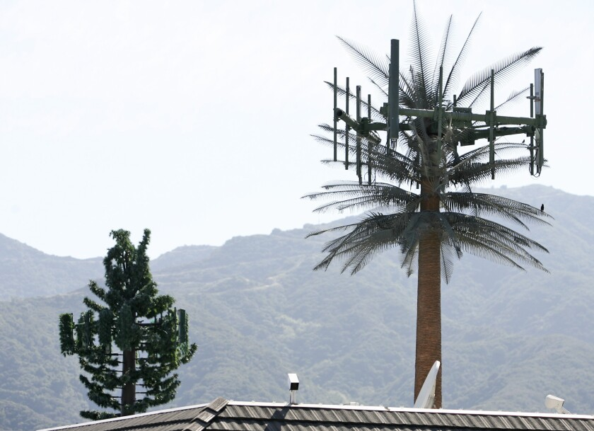Cell tower vote ends in 2-2 tie