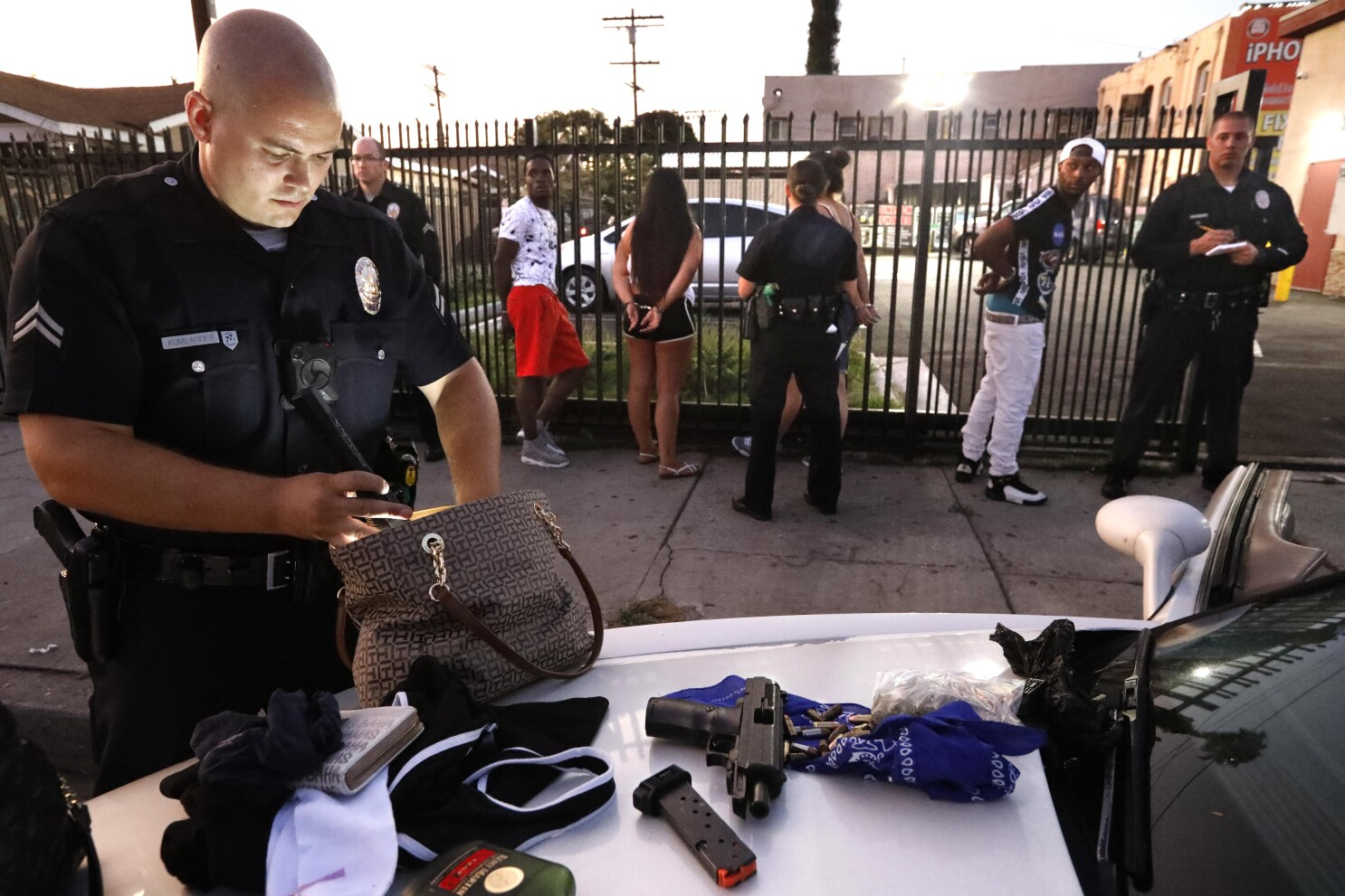 Analysis: LAPD searches blacks and Latinos more often - Los ...