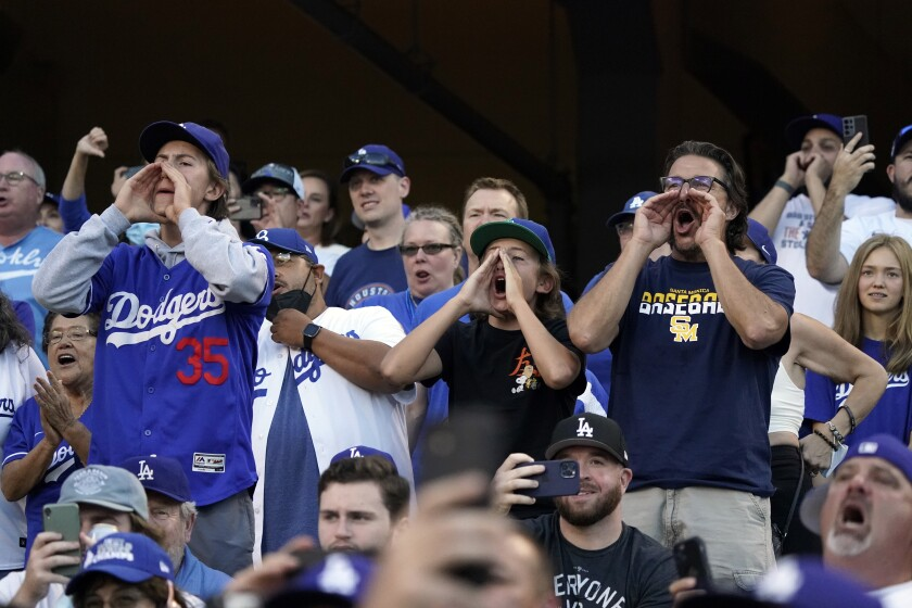 Dodgers fans booing the Houston Astros