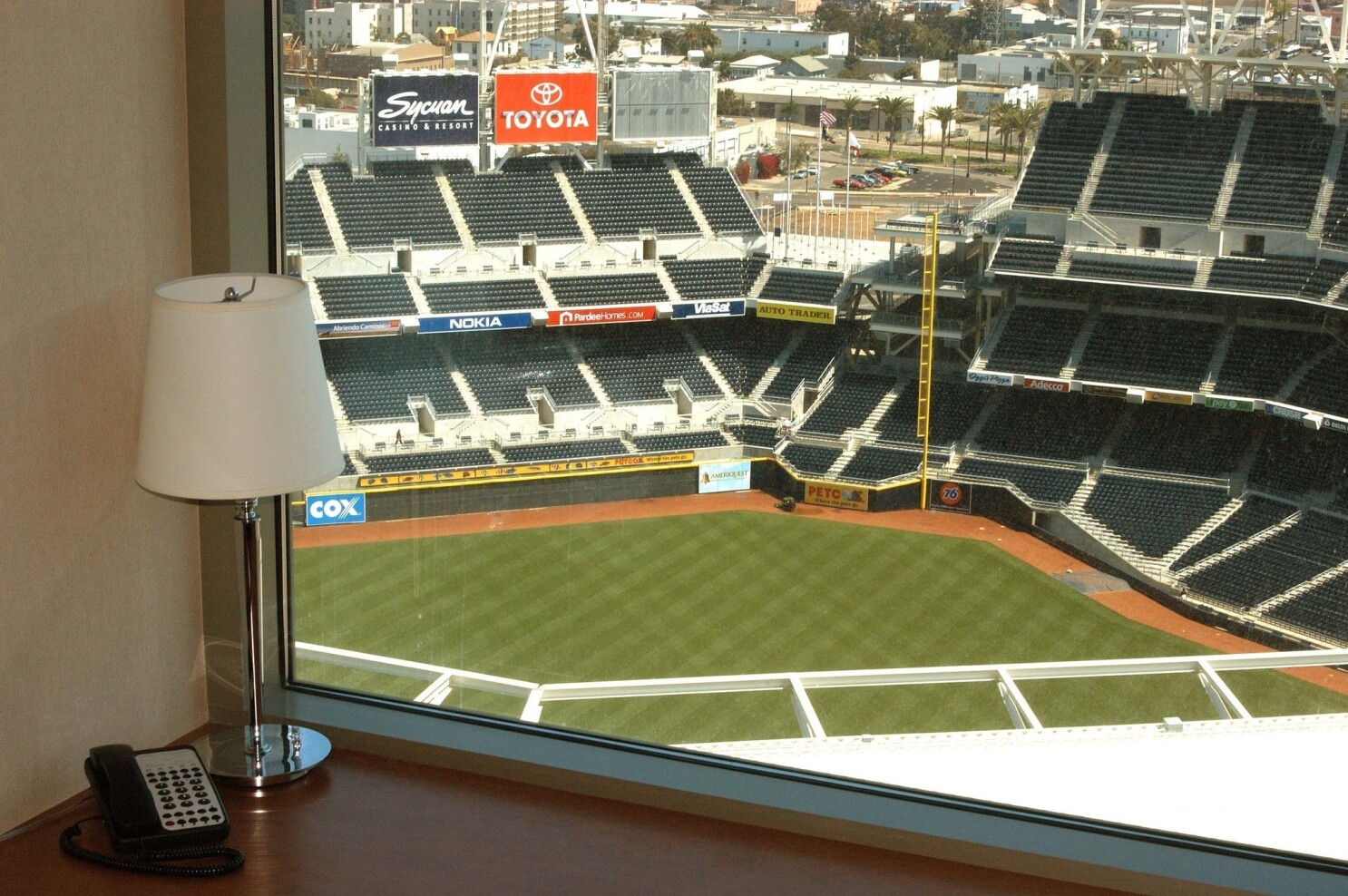 Daily Deal: Beer, brats and baseball at Omni San Diego - Los
