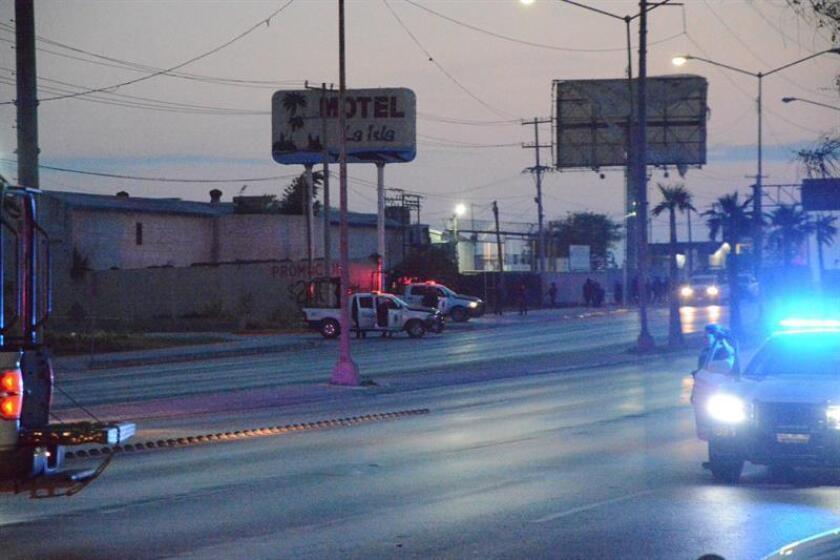 Fotografía del 25 de marzo de 2018, cedida por el periódico El Mañana, muestra el área de un enfrentamiento entre fuerzas de seguridad y grupos armados en Nuevo Laredo (México). EFE/EL MAÑANA/SOLO USO EDITORIAL/NO VENTAS