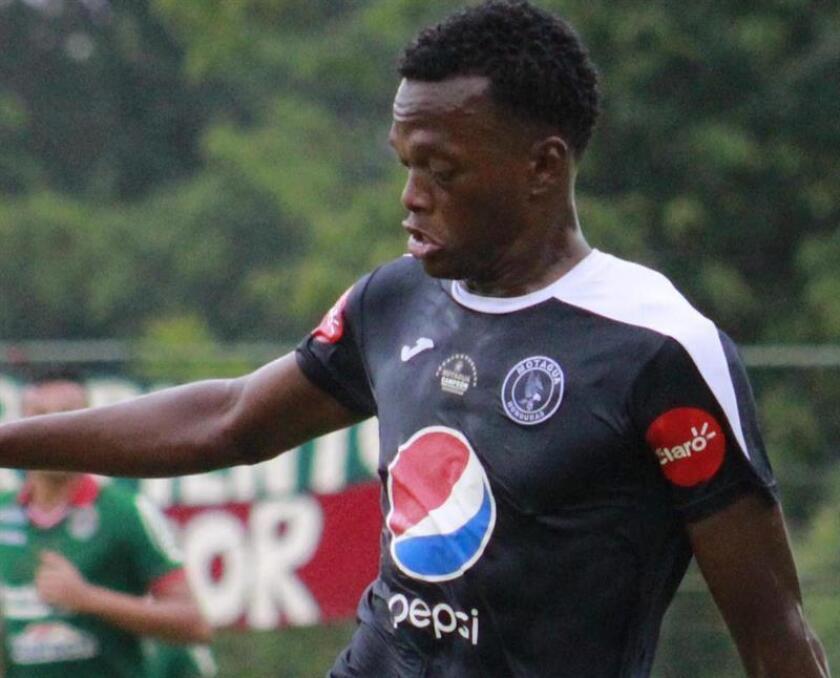 Crisanto es el segundo jugador que deja las filas del Motagua, sumándose a Rubilio Castillo, quien hoy se despidió del club para integrar las filas del Pas Giannina griego. EFE/Archivo