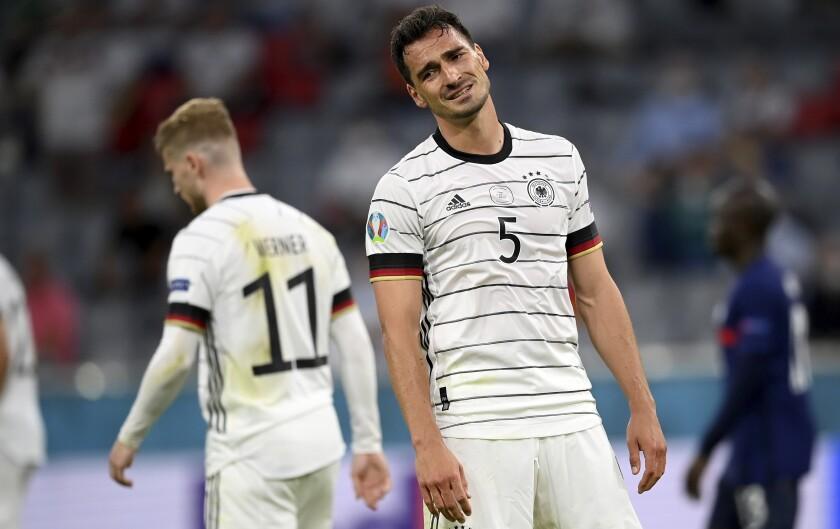 Mats Hummels de Alemania reacciona en el primer encuentro de la Euro 2020 ante Francia en el Grupo F.